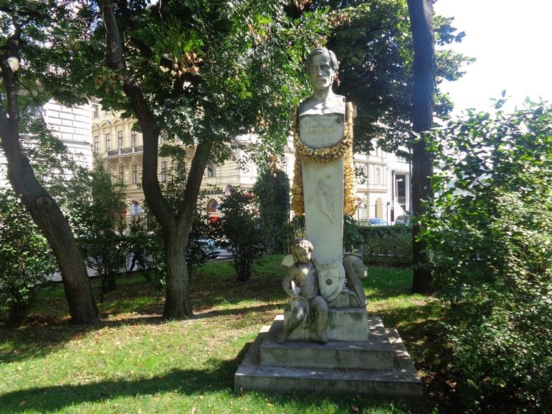 Lenau Denkmal