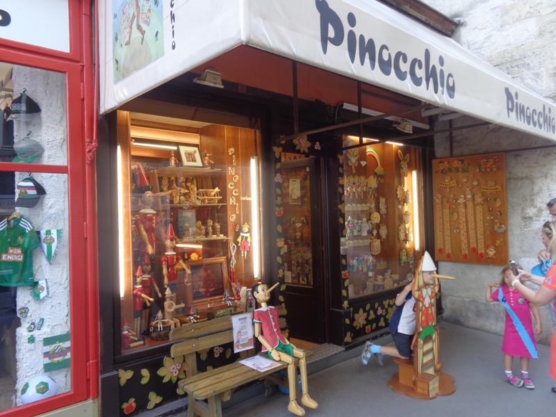 Pinocchio Laden