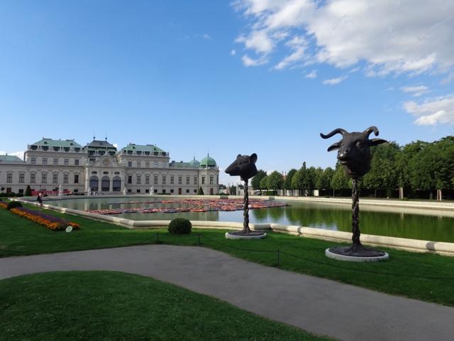 Skulpturen beim Belvedere