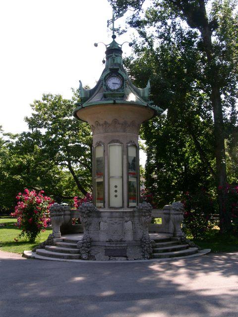 Uhr im Stadtpark