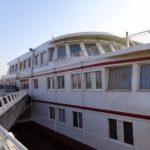 Schulschiff an der Donau